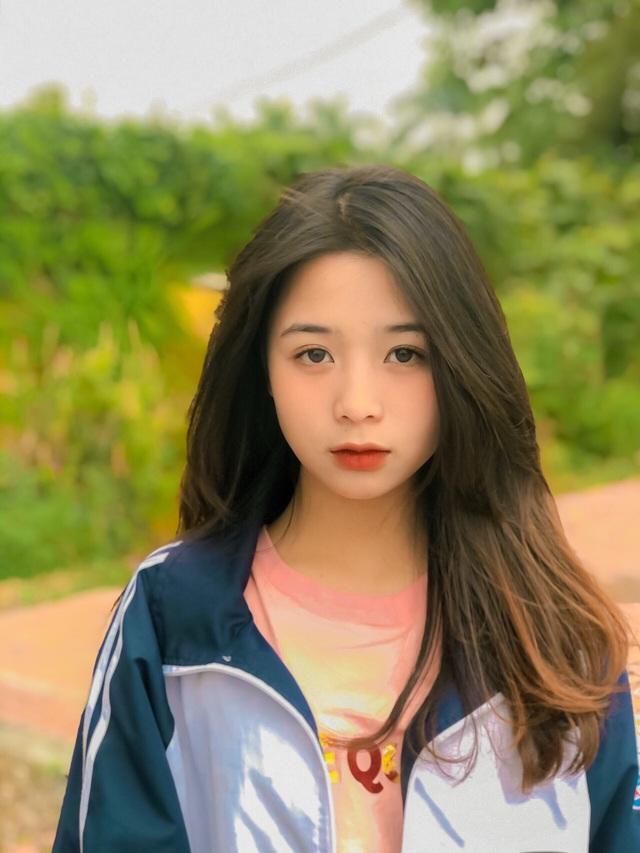 Nữ sinh lớp 11 xinh xắn, được ví là bản sao của Quỳnh Anh Shyn - 4