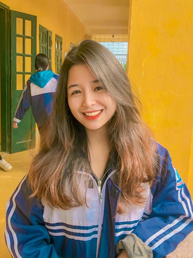 Nữ sinh lớp 11 xinh xắn, được ví là bản sao của Quỳnh Anh Shyn - 5