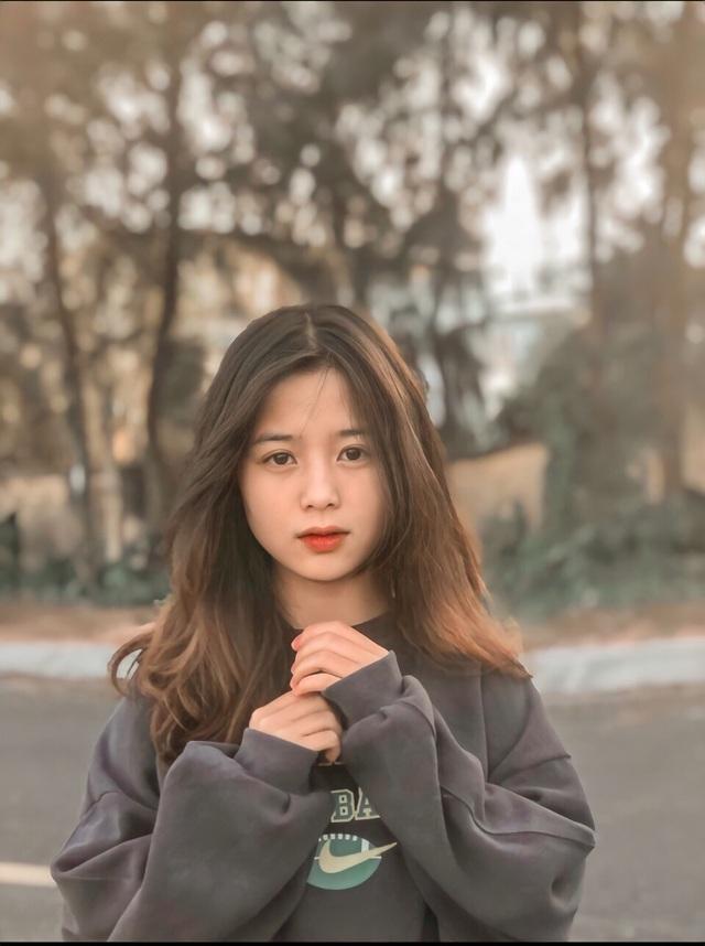 Nữ sinh lớp 11 xinh xắn, được ví là bản sao của Quỳnh Anh Shyn - 10