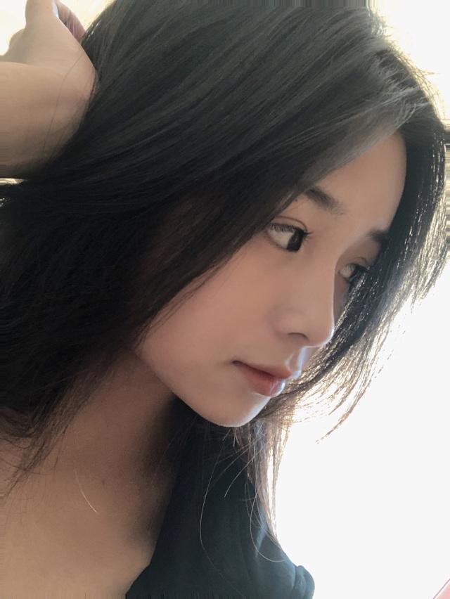 Nữ sinh lớp 11 xinh xắn, được ví là bản sao của Quỳnh Anh Shyn - 11