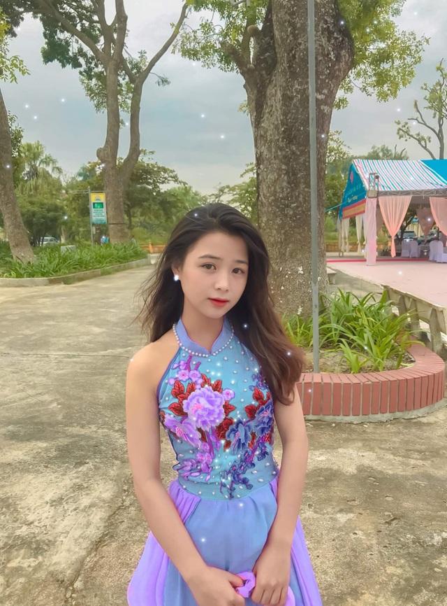 Nữ sinh lớp 11 xinh xắn, được ví là bản sao của Quỳnh Anh Shyn - 12
