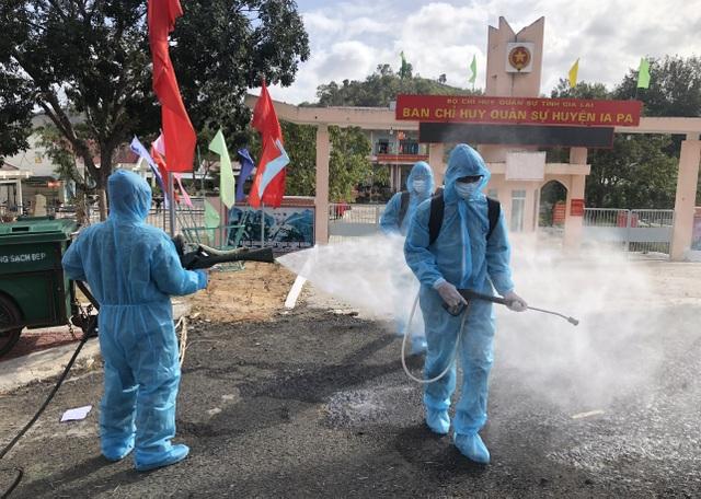 Ghi nhận 12 ca dương tính với SARS-CoV-2, phong tỏa bệnh viện tỉnh - 2