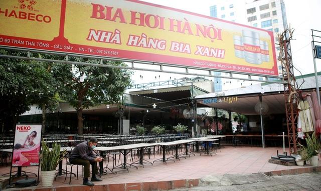 Không một bóng khách, nhà hàng, quán nhậu ở Hà Nội đồng loạt đóng cửa - 8
