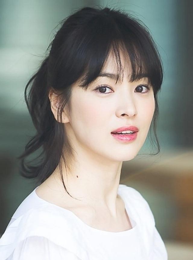 Song Hye Kyo qua mặt Son Ye Jin lọt top diễn viên Hàn nổi tiếng - 1
