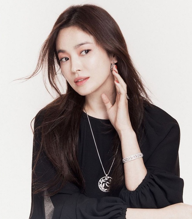 Song Hye Kyo qua mặt Son Ye Jin lọt top diễn viên Hàn nổi tiếng - 4
