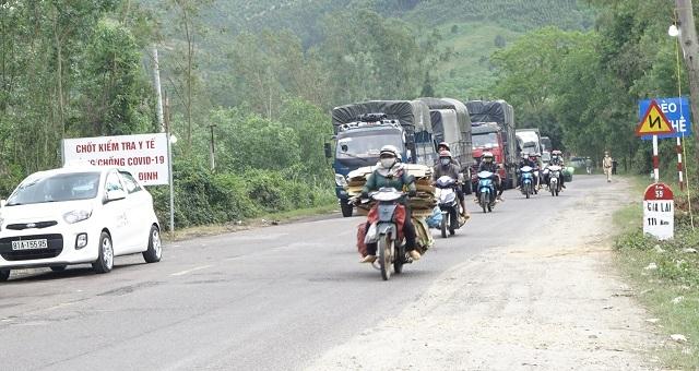 Thâu đêm soát chặt các phương tiện về từ Gia Lai, Tây Nguyên phòng Covid-19 - 3