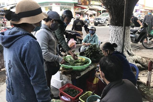 Thị trường đồ lễ cúng ông Táo: Sức mua dè dặt - 4