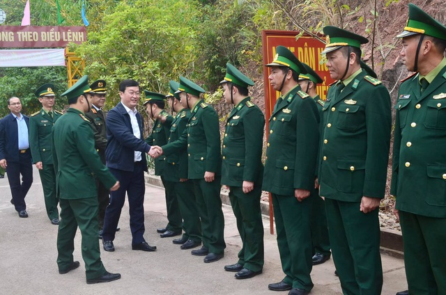 Đảm bảo quân số trực sẵn sàng chiến đấu, đảm bảo giữ vững an ninh biên giới - 2