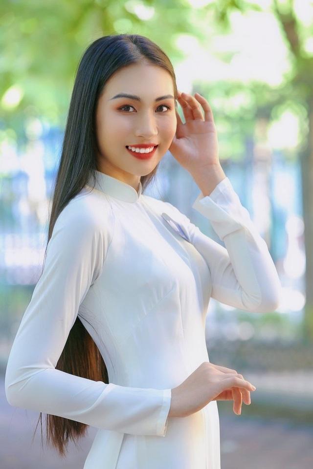 Hoa khôi Học viện Phụ nữ - Vẻ đẹp truyền thống với mái tóc dài thướt tha - 9