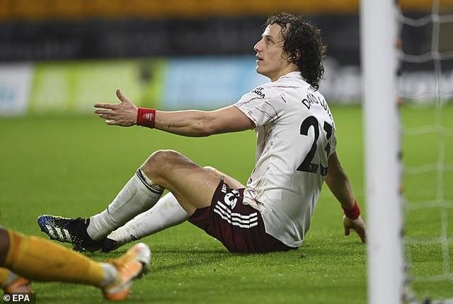 Tranh cãi tình huống David Luiz nhận thẻ đỏ oan khiến Arsenal thất bại - 4