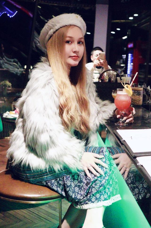 9X Sài Gòn vừa học giỏi, vừa sở hữu vẻ đẹp lai Tây cuốn hút - 8
