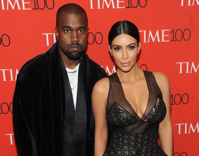 Kim Kardashian ít có liên hệ với Kanye West - 2