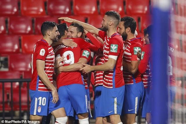Ngược dòng thắng điên rồ, Barcelona vào bán kết Cúp Nhà vua - 6