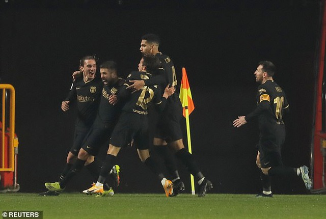 Ngược dòng thắng điên rồ, Barcelona vào bán kết Cúp Nhà vua - 10