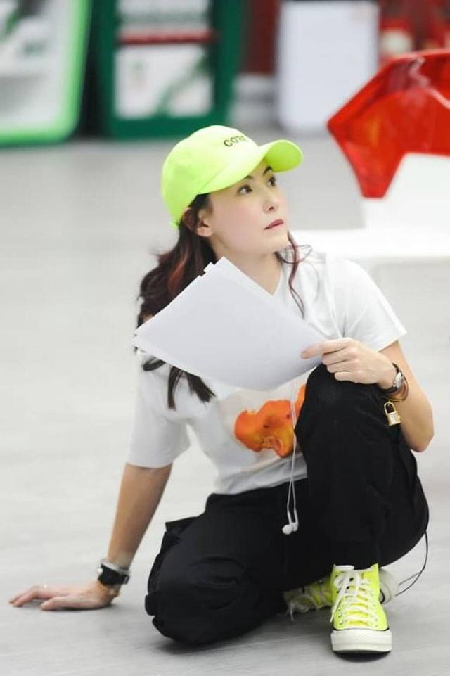 Ca hát thất bại nhưng Trương Bá Chi được khen về ngoại hình - 8