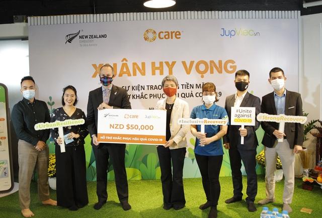 350 lao động nữ Việt Nam được hỗ trợ tài chính khắc phục hậu quả Covid-19 - 1