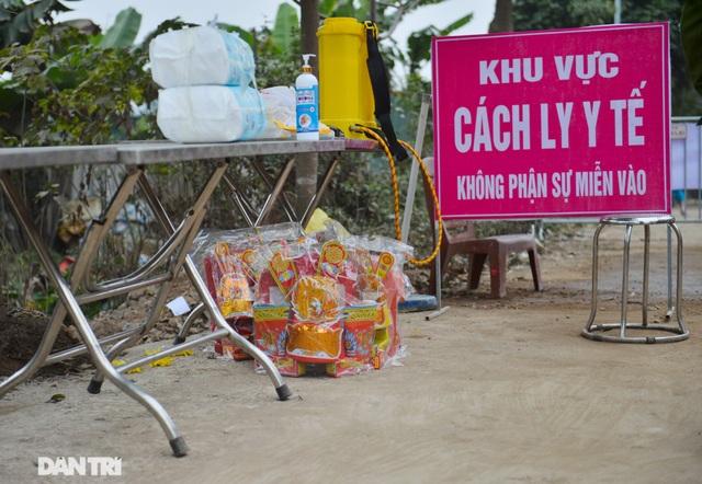Đồ cúng tiễn Táo quân được chuyển tận tay người trong khu cách ly ở Hà Nội - 3