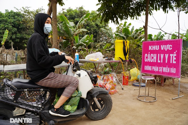 Đồ cúng tiễn Táo quân được chuyển tận tay người trong khu cách ly ở Hà Nội - 8