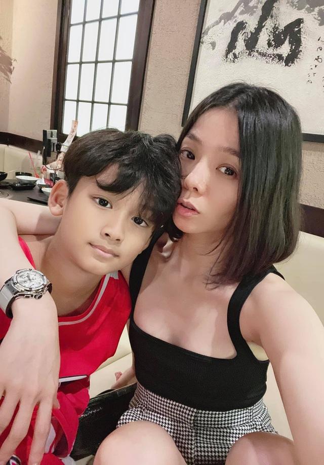 Lo ngại dịch, Lệ Quyên không cho con trai về Hà Nội đón Tết cùng bà ngoại - 2