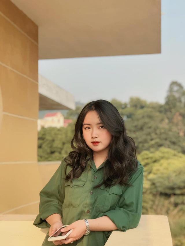 Thêm thiếu nữ xinh đẹp được mệnh danh hotgirl học quân sự - 2