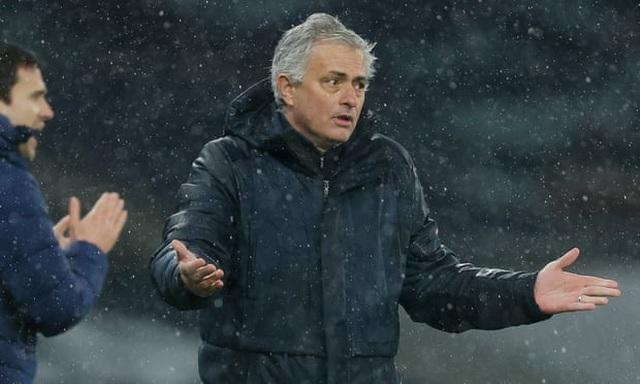 Mourinho thua trận thứ ba liên tiếp: Chết chìm bởi sự... cứng nhắc - 1