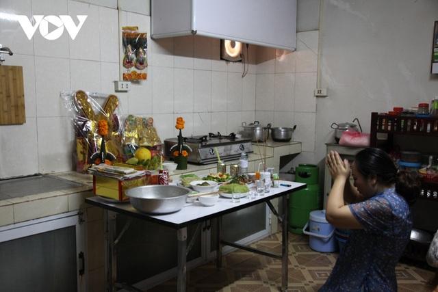 Tết ông Công ông Táo và câu chuyện giữ gìn văn hóa truyền thống của người Việt tại Lào - 1
