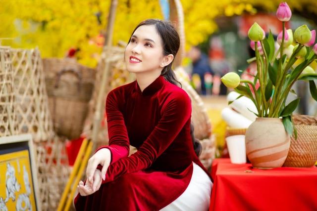 Hot girl miền Tây khoe nhan sắc ngọt ngào trong tà áo dài đón Tết - 1