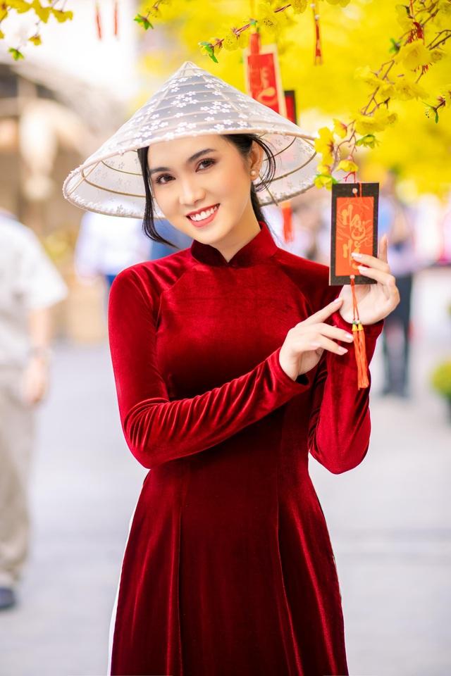 Hot girl miền Tây khoe nhan sắc ngọt ngào trong tà áo dài đón Tết - 2