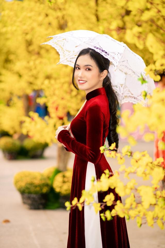 Hot girl miền Tây khoe nhan sắc ngọt ngào trong tà áo dài đón Tết - 6