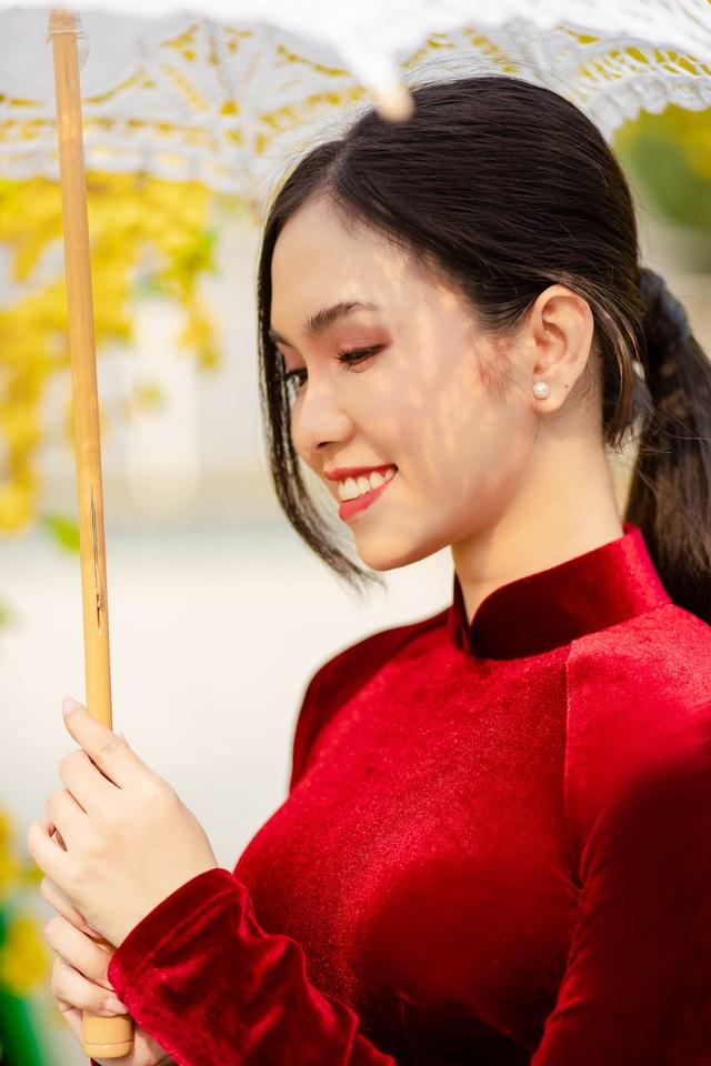Hot girl miền Tây khoe nhan sắc ngọt ngào trong tà áo dài đón Tết - 8