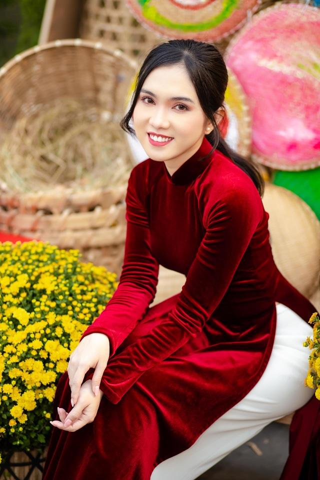 Hot girl miền Tây khoe nhan sắc ngọt ngào trong tà áo dài đón Tết - 11