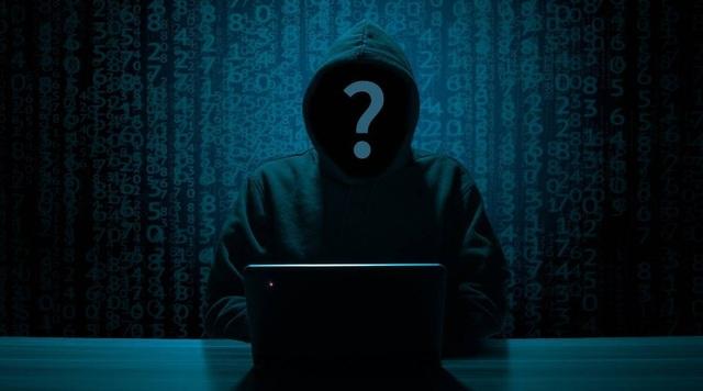 Học theo cách hack trên Youtube, cậu bé 11 tuổi… tống tiền cha mình - 1