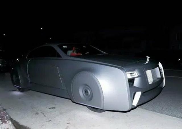 Ca sĩ Justin Bieber ra phố với chiếc Rolls-Royce cực dị - 3