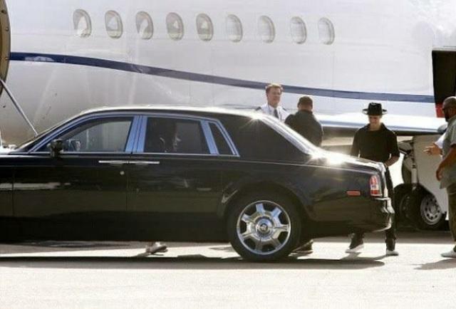 Ca sĩ Justin Bieber ra phố với chiếc Rolls-Royce cực dị - 7