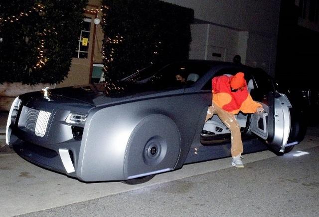 Ca sĩ Justin Bieber ra phố với chiếc Rolls-Royce cực dị - 1
