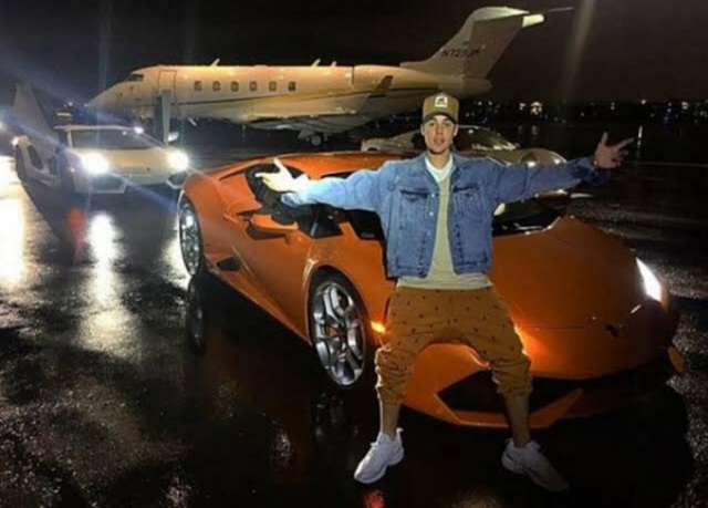 Ca sĩ Justin Bieber ra phố với chiếc Rolls-Royce cực dị - 9