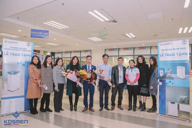 Kosmen Việt Nam trao tặng máy hút ẩm cho Trường đại học Kinh tế Quốc dân - 1
