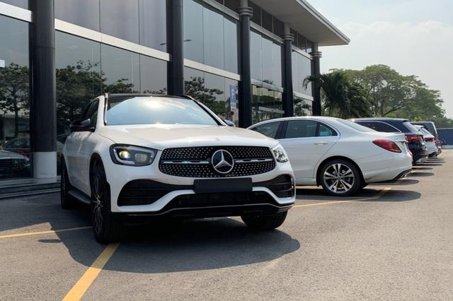Cắt options hàng loạt mẫu xe sang, Mercedes-Benz Việt Nam nói gì? - 1