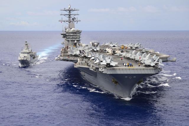 Tàu sân bay Mỹ tiến sát Biển Đông - 1