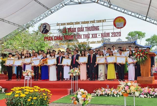 Trao giải thưởng Phan Châu Trinh đến 68 cá nhân xuất sắc - 1