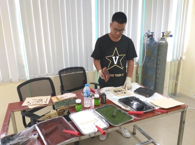 Ứng dụng plasma vào tranh Đông Hồ, 10X Việt nhận học bổng tiền tỷ đến Mỹ - 4