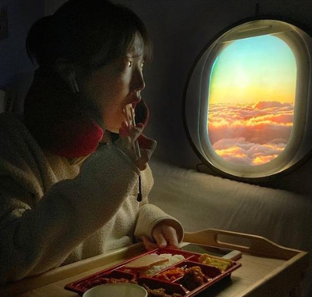 Ra mắt đèn cửa sổ máy bay cho người thích sống ảo - 3