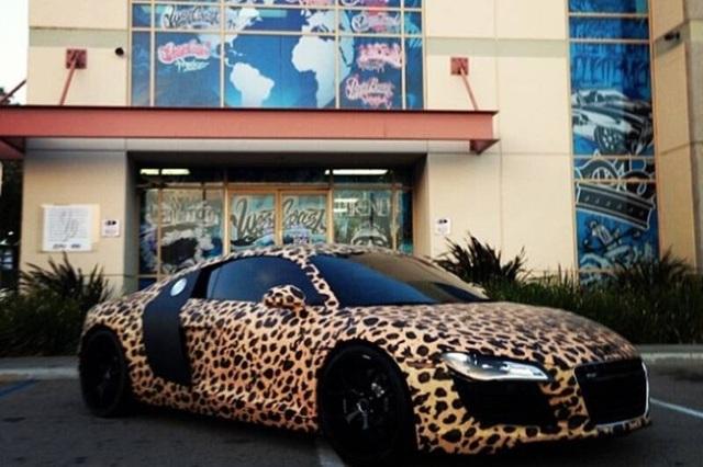 Ca sĩ Justin Bieber ra phố với chiếc Rolls-Royce cực dị - 12