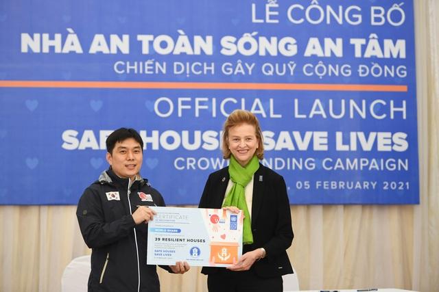 Cụ bà Quảng Bình nhanh chân chạy lũ: Có nhà ni gia đình tui thoát chết - 9