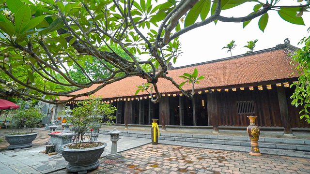 The sacred temple used to be the largest Buddhist center in the Tran Dynasty in Bac Giang - 2