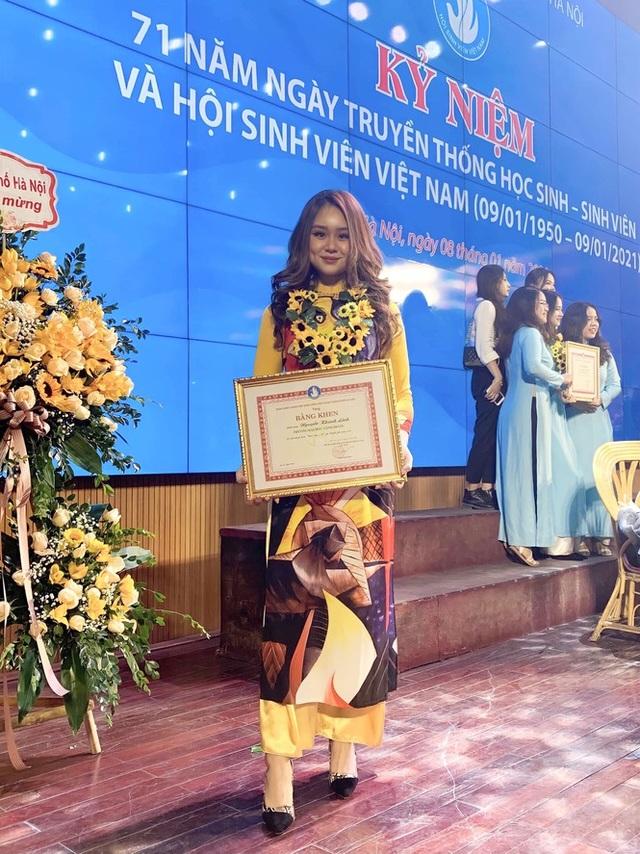 Nữ sinh Công đoàn toàn năng đạt danh hiệu Sinh viên 5 tốt cấp thành phố - 6