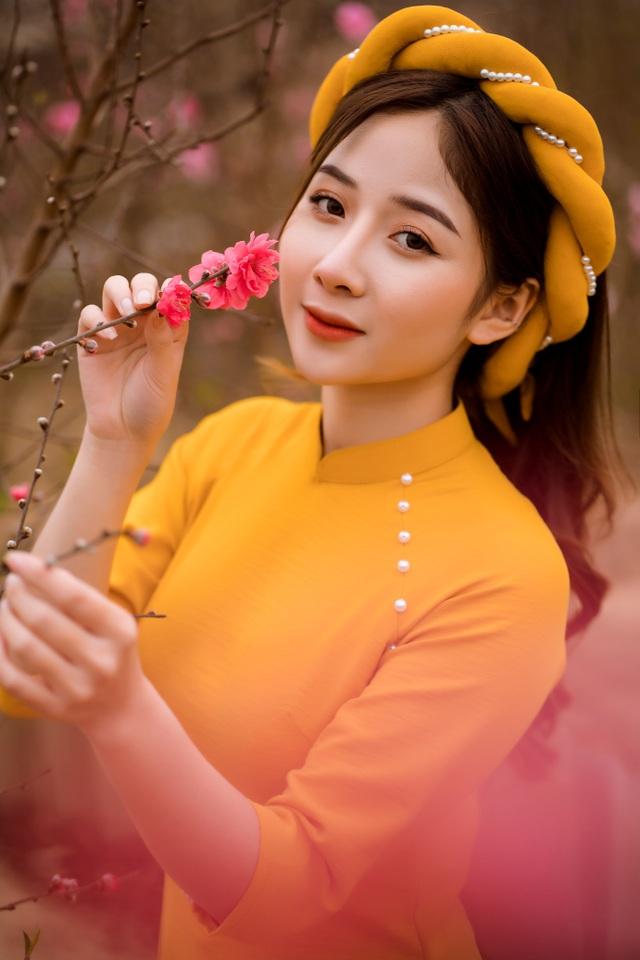 Nữ sinh Báo chí xúng xính áo dài đón Xuân sang - 2