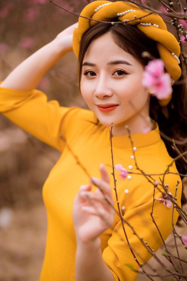 Nữ sinh Báo chí xúng xính áo dài đón Xuân sang - 3