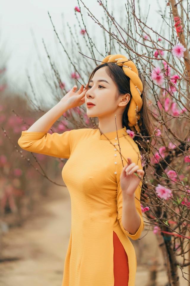 Nữ sinh Báo chí xúng xính áo dài đón Xuân sang - 9