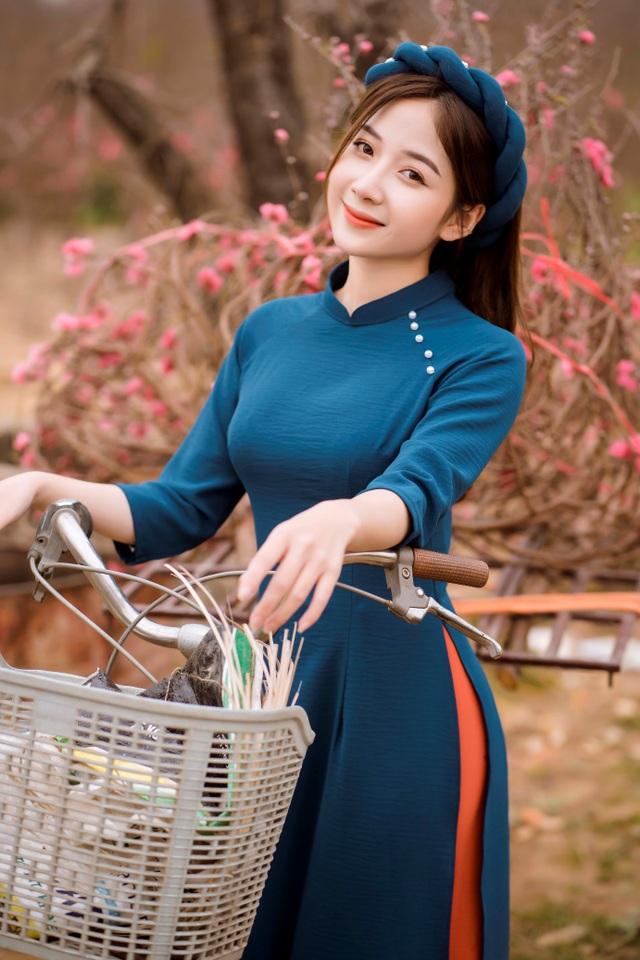 Nữ sinh Báo chí xúng xính áo dài đón Xuân sang - 13